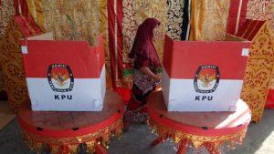 KPU memprediksi pelaksanaan pemilihan kepala daerah akan terhambat. (ANTARA FOTO/Iggoy el Fitra)