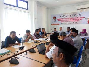 Rapat Pleno Rekapitulasi Dukungan Bakal Pasangan Calon Perseorangan dalam Pemilihan Gubernur /Wakil Gubernur Aceh, Walikota dan Wakil Walikota Banda Aceh di Kantor Komisi Independen Pemilihan (KIP) Kota Banda Aceh (10/09/2016)