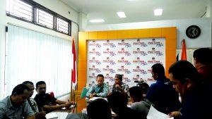 Konferensi Pers Komisi Independen Pemilihan (KIP) Kota Banda Aceh tentang Verifikasi Faktual Perbaikan Dukungan Bakal Calon Perseorangan Pemilihan Walikota dan Wakil Walikota Banda Aceh Tahun 2017 di Media Center KIP Kota Banda Aceh (20/10/2016)