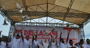 """Deklarasi Pemilihan Kepala Daerah Berintegritas dan Damai Kota Banda Aceh """"Meneguhkan Komitmen Bersama Mewujudkan Pilkada Yang Demokratis dan Bermartabat di Taman Sari Bustanussalatin (5/11/2016)"""